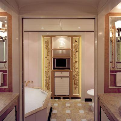 MITseaAH Yacht Master Bathroom