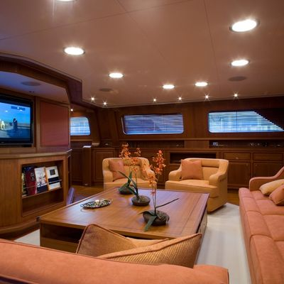 Antara Yacht Main Saloon - Screen