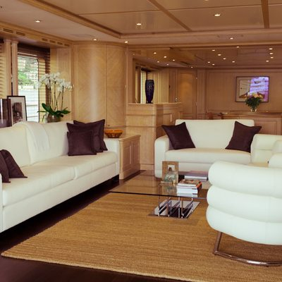 African Queen Yacht Saloon - Seating