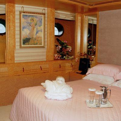 Bella Stella Yacht Pink Guest Stateroom