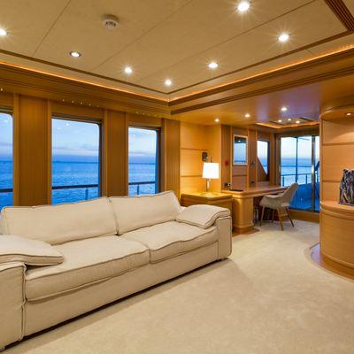 Ice 5 Yacht
