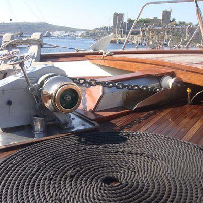 Gem Yacht Detail - Equipment