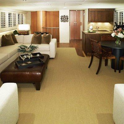 Envy Yacht Saloon - Detail