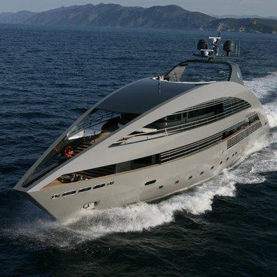 Ocean Pearl Yacht Running Shot - Front