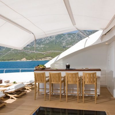 Namaste 8 Yacht Bar