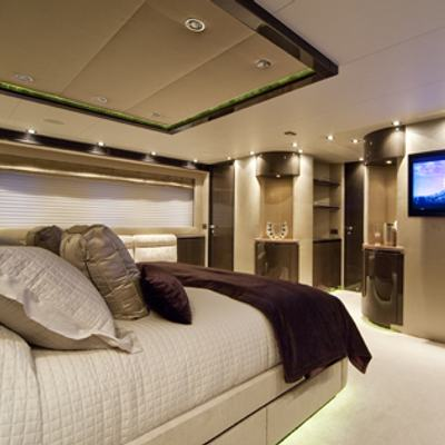 Strega Yacht Master Stateroom - Screen