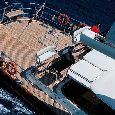 Heritage Yacht Deck - Overhead