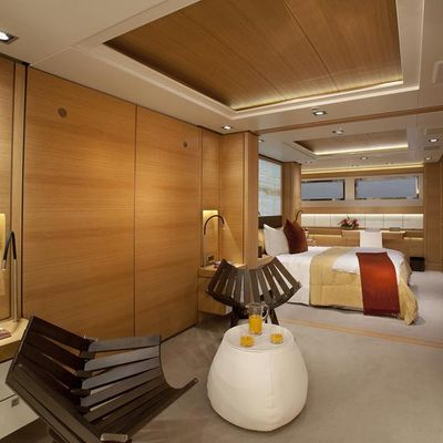 Big Fish Yacht Guest Stateroom - Foyer