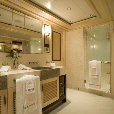 Odessa Yacht Private Bathroom