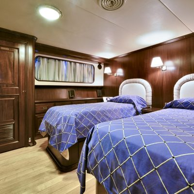 Number Nine Yacht Twin Cabin