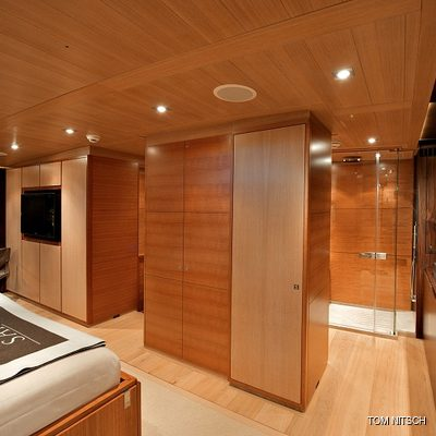 Sharlou Yacht Master Stateroom - Hallway