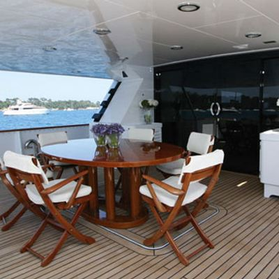 Sea Lady II Yacht Deck Dining