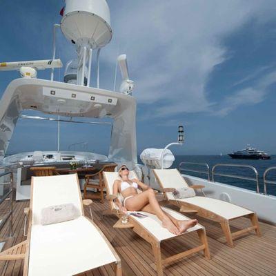 Palm B Yacht Flybridge - Loungers