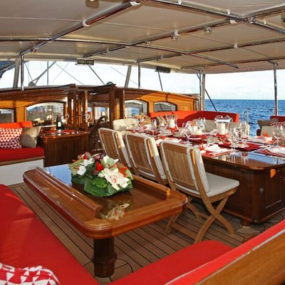 Marie Yacht Cockpit Dining