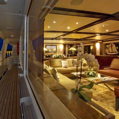 L'Albatros Yacht Main Salon from Port