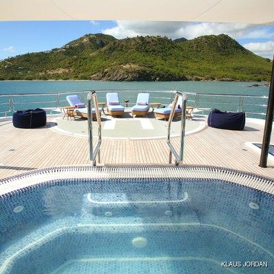 Huntress Yacht Helipad & Pool