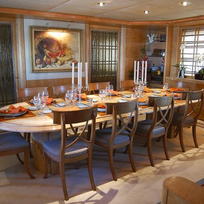 Bella Stella Yacht Dining Salon