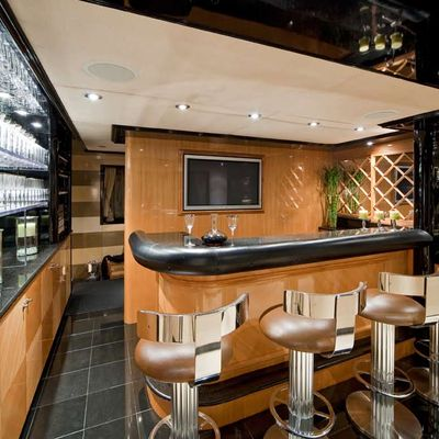 Big Eagle Yacht Bar