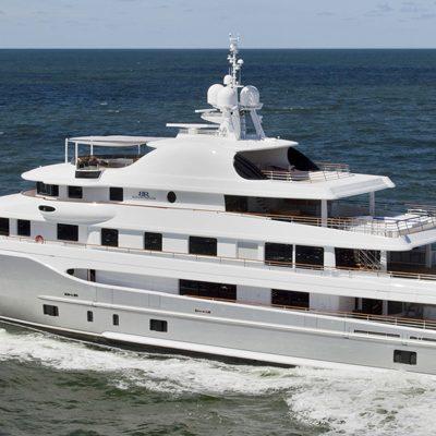 Baton Rouge Yacht Running Shot