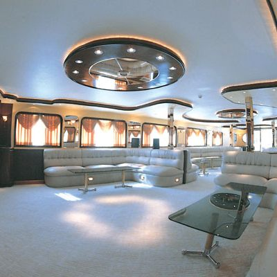 Golden Head Yacht Main Salon - Side View