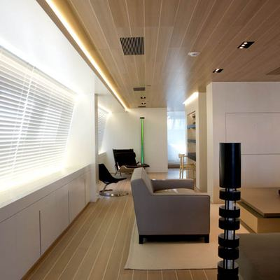 Baracuda Valletta Yacht Salon - Side