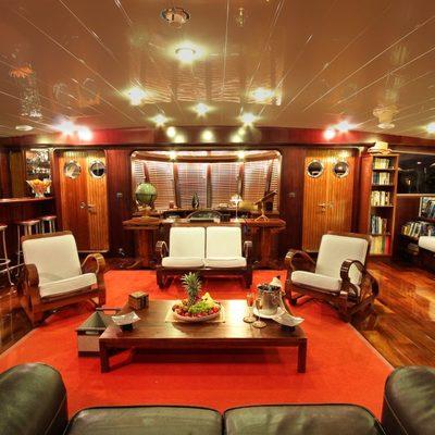 Douce France Yacht Saloon