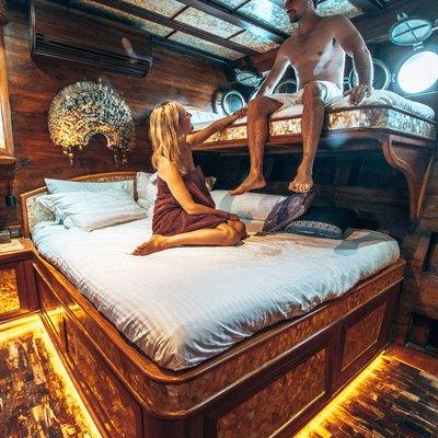 Manta Mae Yacht