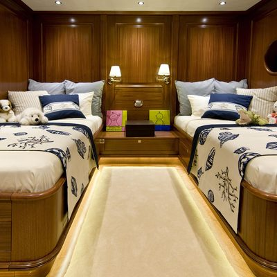 Clear Eyes Yacht Twin Stateroom - Overview