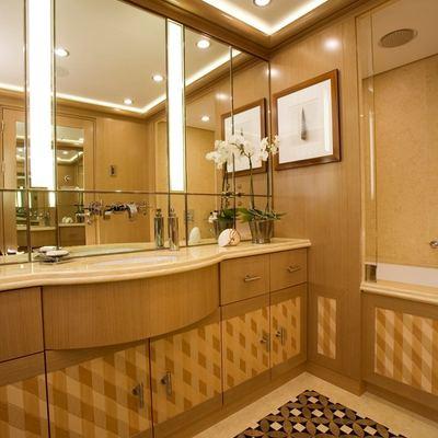 Alfa Nero Yacht Private Bathroom