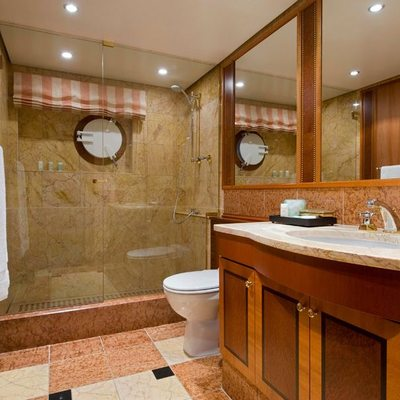 Force Blue Yacht Guest Shower Room
