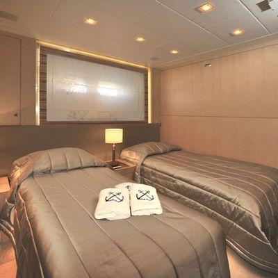 Espresso Yacht Twin Cabin