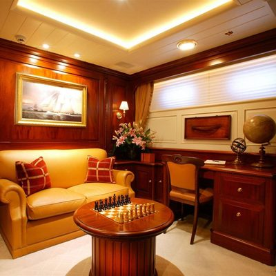 Paraffin Yacht Private Lounge/Study