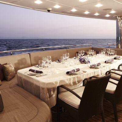E & E Exterior Dining