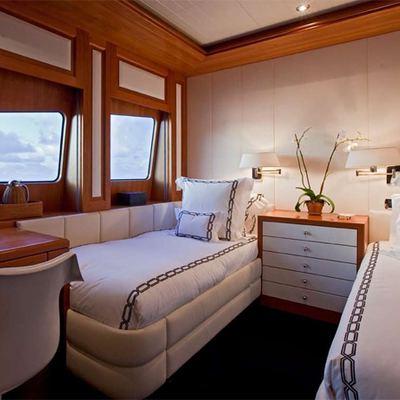 Diamond Yacht Twin Stateroom - Bridge Deck