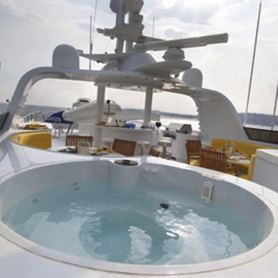 Inspiration Yacht Jacuzzi