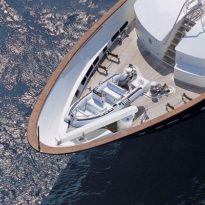 Jo Yacht Bow