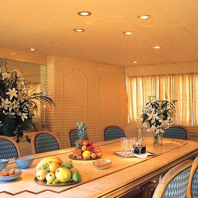 Paradis Yacht Dining Salon