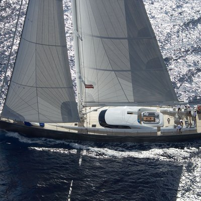 A Sulana Yacht Running Shot - Profile