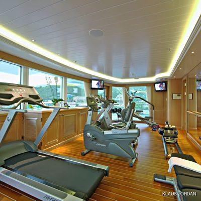 Huntress Yacht Gymnasium