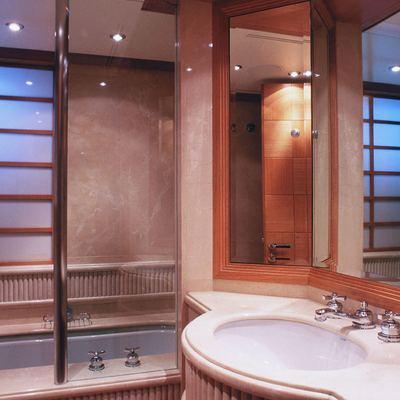 Alexandra Yacht Master Bathroom