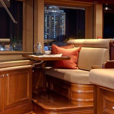 Aquila Yacht Bridge - Seating Area