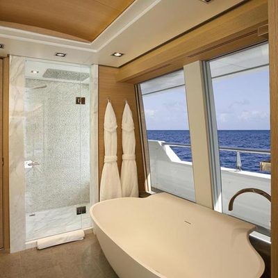 Big Fish Yacht Master Bathroom - View