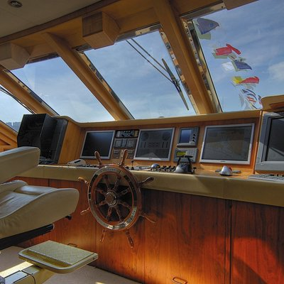 CD Two Yacht Pilothouse