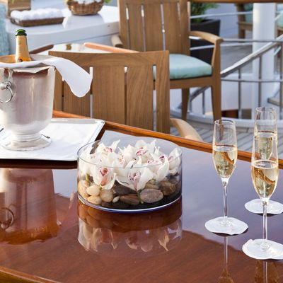 Legend Yacht Bridge Deck Aft - Champagne