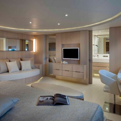 Light Holic Yacht Double Stateroom - Screen