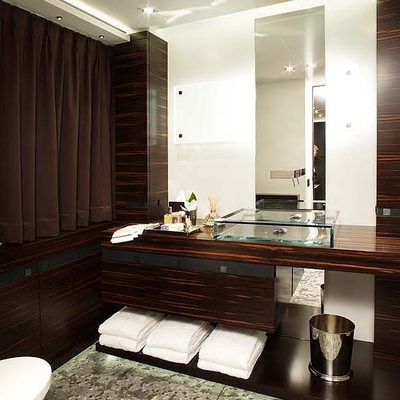 Inception Yacht Bathroom