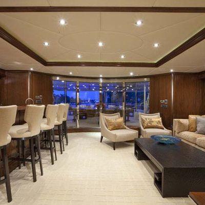 Wheels Yacht Skylounge