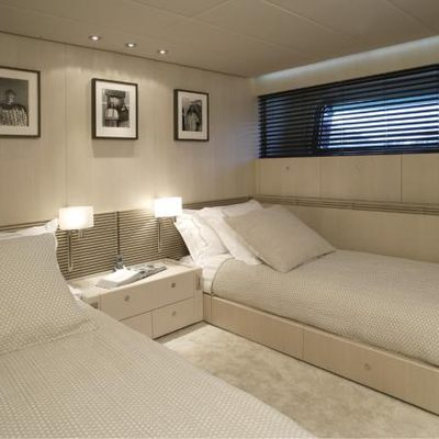 Red Dragon Yacht Twin Stateroom