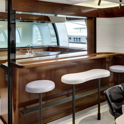 Vertigo Yacht Vertigo Bar