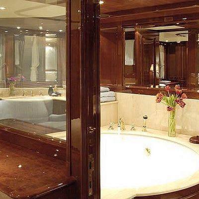 Accama Yacht Master Bathroom